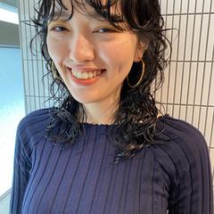 くせ毛風 パーマ ナチュラル ウルフパーマヘア ヘアスタイルや髪型の写真・画像