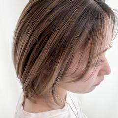 ハイライト 大人ハイライト 透明感カラー ミディアム ヘアスタイルや髪型の写真・画像