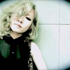 ハイトーン ブリーチ 夏 ミディアム ヘアスタイルや髪型の写真・画像