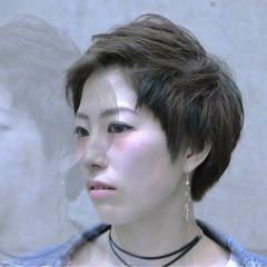 小顔 マッシュ ショート モード ヘアスタイルや髪型の写真・画像