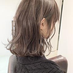 ミルクティーグレージュ ミディアム 簡単ヘアアレンジ 切りっぱなしボブ ヘアスタイルや髪型の写真・画像