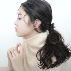 暗髪 簡単ヘアアレンジ 大人女子 セミロング ヘアスタイルや髪型の写真・画像