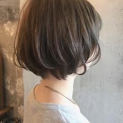 女子会 アンニュイ ウェーブ リラックス ヘアスタイルや髪型の写真・画像
