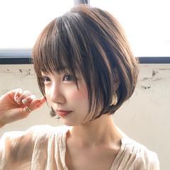 ショート アンニュイほつれヘア ナチュラル 大人かわいい ヘアスタイルや髪型の写真・画像
