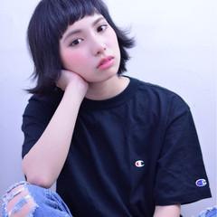 黒髪 ワイドバング ショート ストリート ヘアスタイルや髪型の写真・画像