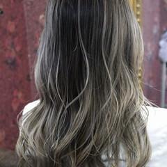 バレイヤージュ 外国人風カラー フェミニン グレージュ ヘアスタイルや髪型の写真・画像