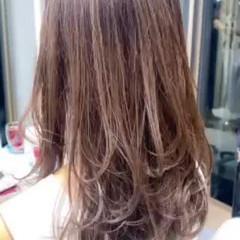 鎖骨ミディアム レイヤー コンサバ ミディアムレイヤー ヘアスタイルや髪型の写真・画像
