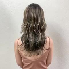 エレガント コントラストハイライト ブリーチ ロング ヘアスタイルや髪型の写真・画像
