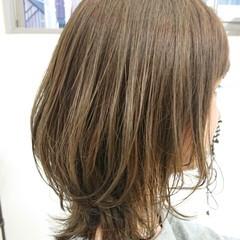 ウルフカット アッシュ ミディアム 簡単スタイリング ヘアスタイルや髪型の写真・画像