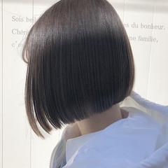 ベリーショート ボブ 切りっぱなしボブ フェミニン ヘアスタイルや髪型の写真・画像