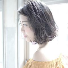フェミニン ボブ パーマ ハイライト ヘアスタイルや髪型の写真・画像