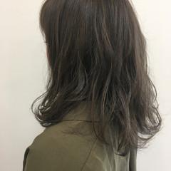 外国人風カラー ナチュラル ミディアム アッシュ ヘアスタイルや髪型の写真・画像