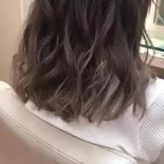 ミディアム ブリーチカラー アッシュベージュ ホワイトベージュ ヘアスタイルや髪型の写真・画像