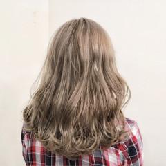 デート フェミニン ミルクティーベージュ セミロング ヘアスタイルや髪型の写真・画像