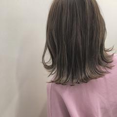 ストリート グレージュ 外国人風カラー セミロング ヘアスタイルや髪型の写真・画像