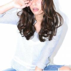 コンサバ ウェットヘア シースルーバング 黒髪 ヘアスタイルや髪型の写真・画像