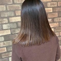 ナチュラル ミディアムヘアー 縮毛矯正 ストレート ヘアスタイルや髪型の写真・画像