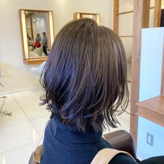 切りっぱなしボブ 外ハネ ナチュラル ボブ ヘアスタイルや髪型の写真・画像