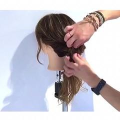 セミロング ヘアアレンジ 女子会 ルーズ ヘアスタイルや髪型の写真・画像