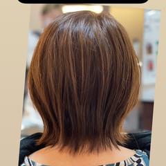 ショートヘア 切りっぱなしボブ ナチュラル ウルフカット ヘアスタイルや髪型の写真・画像
