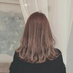 セミロング ハイライト モード 大人かわいい ヘアスタイルや髪型の写真・画像