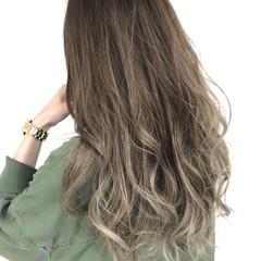 ガーリー ブリーチ ロング アッシュ ヘアスタイルや髪型の写真・画像