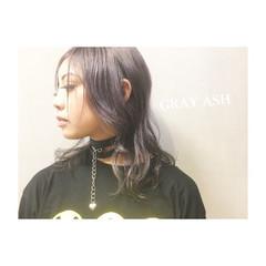 ダークアッシュ フェミニン ストリート ミディアム ヘアスタイルや髪型の写真・画像