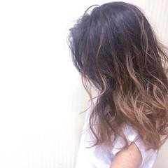 ピンク ベージュ グラデーションカラー セミロング ヘアスタイルや髪型の写真・画像