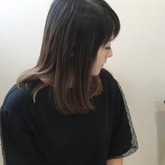 バレイヤージュ ストレート ハイライト 大人女子 ヘアスタイルや髪型の写真・画像