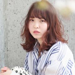 ヘアアレンジ デート パーマ ミディアム ヘアスタイルや髪型の写真・画像
