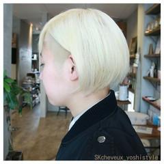 ボブ モード ホワイト ダブルカラー ヘアスタイルや髪型の写真・画像