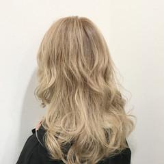 エレガント 外国人風カラー セミロング 金髪 ヘアスタイルや髪型の写真・画像