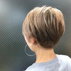 かっこいい ローライト ショート 金髪 ヘアスタイルや髪型の写真・画像