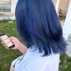 ミディアム ブリーチ必須 ネイビーブルー ブリーチカラー ヘアスタイルや髪型の写真・画像