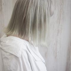 ブロンド ホワイトベージュ ボブ ホワイトカラー ヘアスタイルや髪型の写真・画像