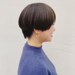 透け感ヘア ショートボブ ハイライト アッシュベージュ ヘアスタイルや髪型の写真・画像