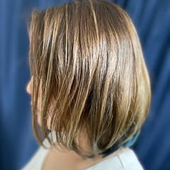 フェミニン ボブ インナーカラー ヘアスタイルや髪型の写真・画像