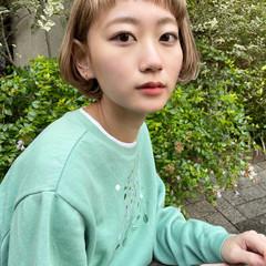 ミルクティーベージュ フェミニン ショート ハイトーンボブ ヘアスタイルや髪型の写真・画像