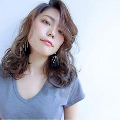 セミロング パーマ アッシュ 外国人風 ヘアスタイルや髪型の写真・画像
