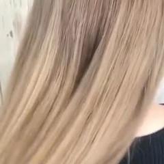 アッシュベージュ ヌーディベージュ フェミニン 透明感カラー ヘアスタイルや髪型の写真・画像