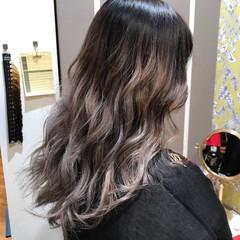 ハイライト アッシュベージュ ミディアム 外国人風 ヘアスタイルや髪型の写真・画像