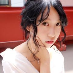 デート リラックス 簡単ヘアアレンジ フェミニン ヘアスタイルや髪型の写真・画像