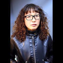 前髪あり パーマ セミロング 暗髪 ヘアスタイルや髪型の写真・画像