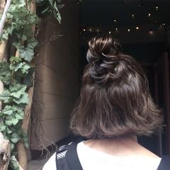 アウトドア 透明感 秋 デート ヘアスタイルや髪型の写真・画像