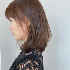 アッシュベージュ アッシュグレージュ グレージュ セミロング ヘアスタイルや髪型の写真・画像