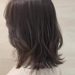 ベージュ ミディアム ナチュラル ウルフカット ヘアスタイルや髪型の写真・画像