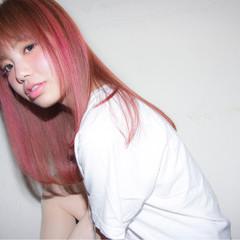ダブルカラー ストリート ハイトーン ピンク ヘアスタイルや髪型の写真・画像
