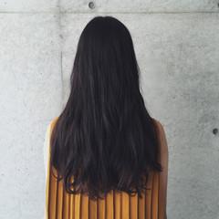 ロング パーマ 無造作 ナチュラル ヘアスタイルや髪型の写真・画像
