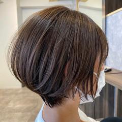 外国人風カラー ショート オリーブベージュ 極細ハイライト ヘアスタイルや髪型の写真・画像