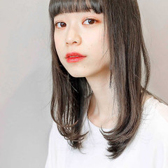似合わせカット グレージュ レイヤーカット ナチュラル ヘアスタイルや髪型の写真・画像